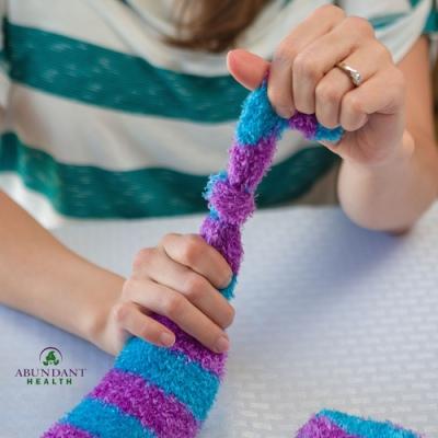Tying-Sock